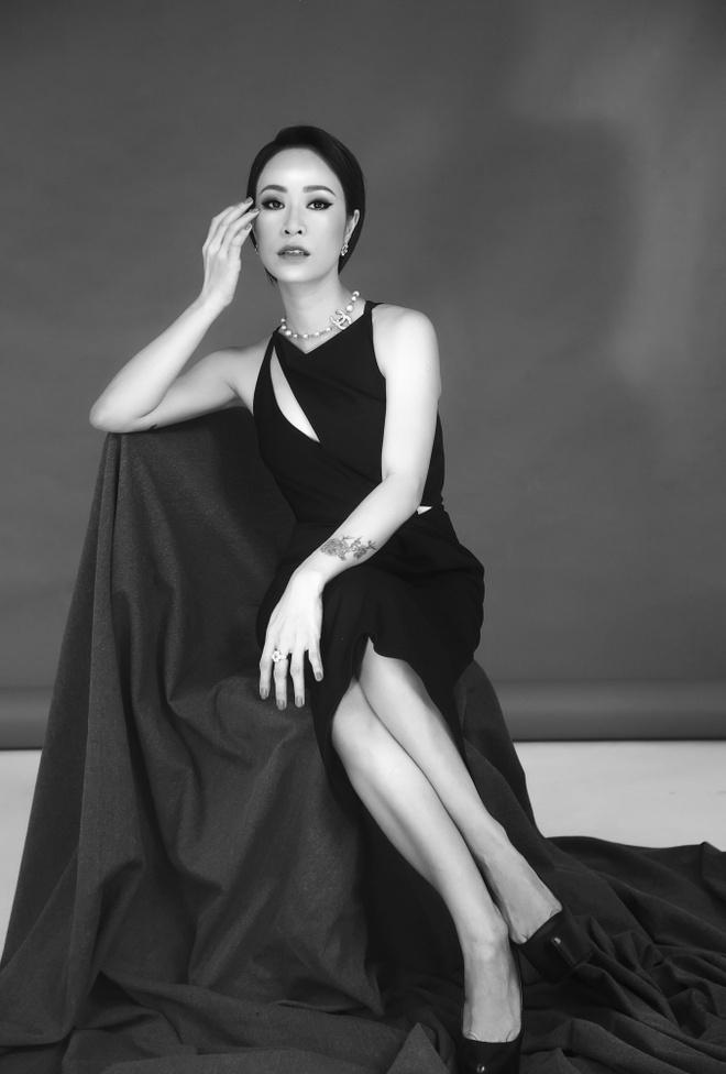Uyen Linh lam nguoi mau trong show cua Adrian Anh Tuan hinh anh 2