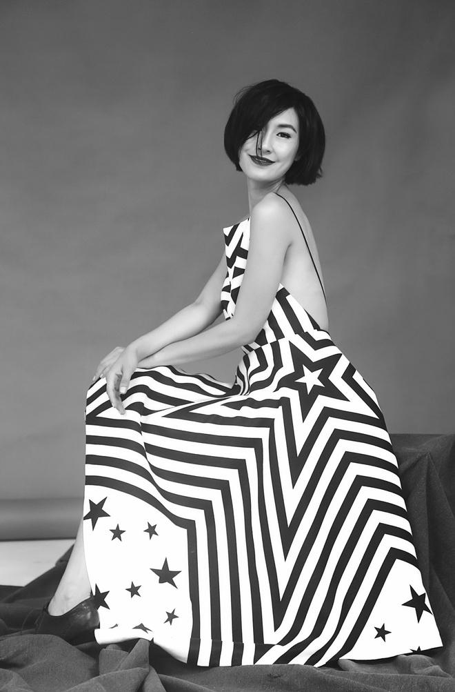 Uyen Linh lam nguoi mau trong show cua Adrian Anh Tuan hinh anh 3