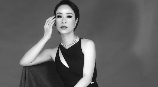 Uyen Linh lam nguoi mau trong show cua Adrian Anh Tuan hinh anh