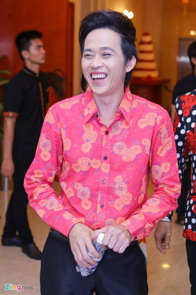 Hoai Linh lam giam khao Thu tai sieu nhi vi thich tre con hinh anh 1
