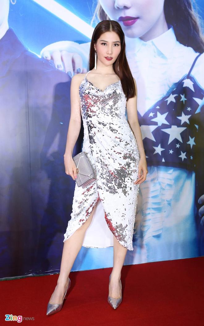 Angela Phuong Trinh dien vay luoi ho bao o su kien hinh anh 6