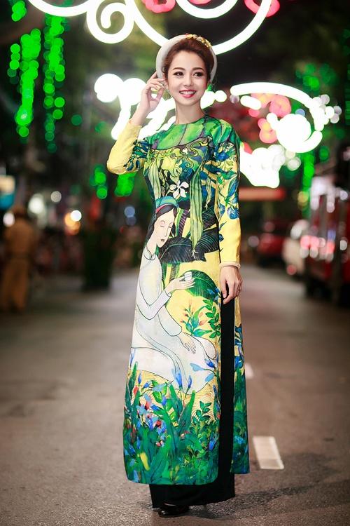 Top 10 my nhan Viet mac dep nhat thang 5 hinh anh 7