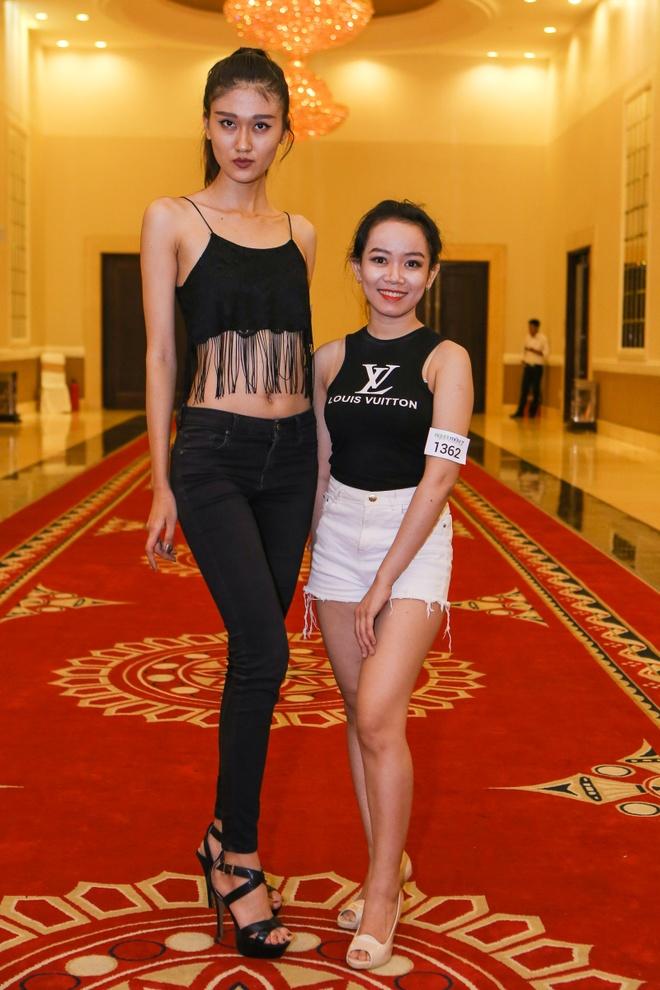 Cap thi sinh cao chenh lech den casting Next Top Model hinh anh 3