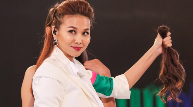 Thanh Hang cat toc, Ly Qui Khanh cat ao tam cua thi sinh hinh anh