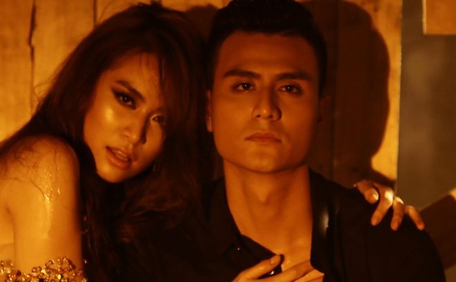 Hoang Thuy Linh hon Vinh Thuy say dam trong MV moi hinh anh 4