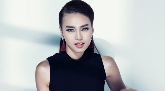 Ninh Duong Lan Ngoc sac sao voi hinh tuong moi hinh anh