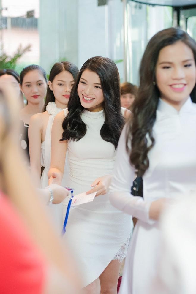 Ve dep cua thi sinh vong so khao Hoa hau Viet Nam 2016 hinh anh 3
