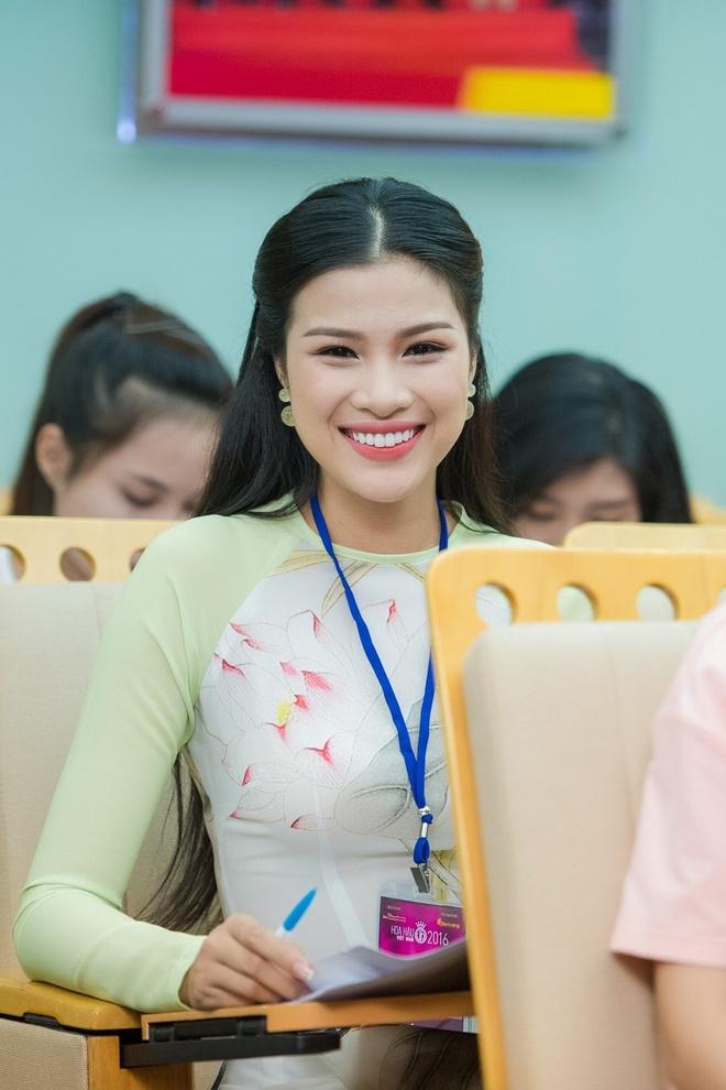 Ve dep cua thi sinh vong so khao Hoa hau Viet Nam 2016 hinh anh 9