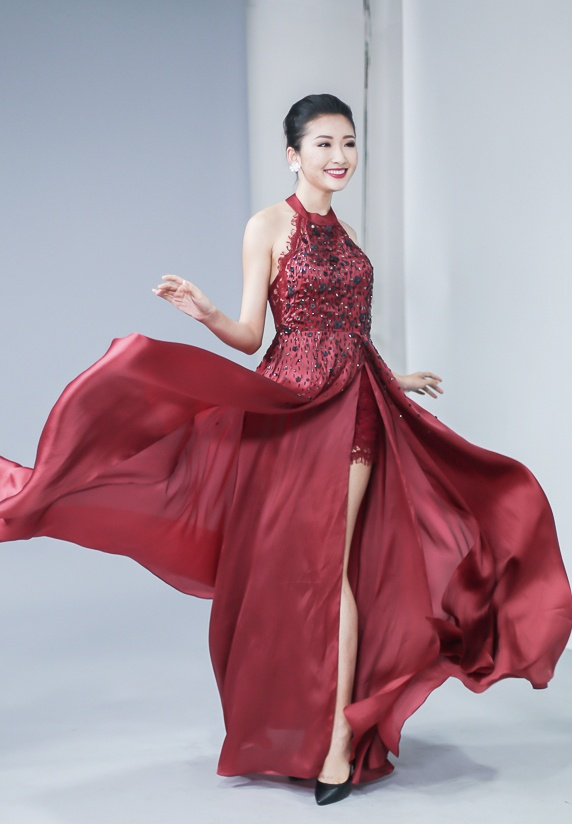 Top 10 Hoa khoi Ao dai thu trang phuc da hoi truoc chung ket hinh anh 3