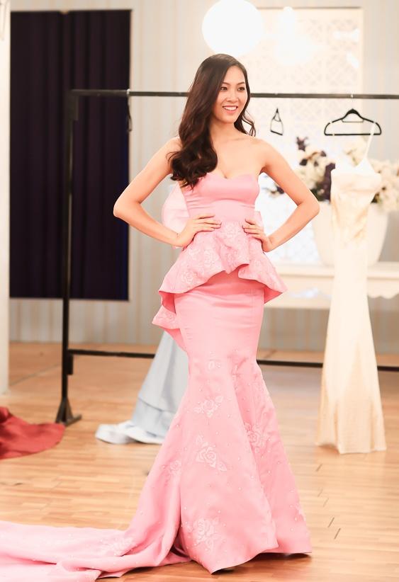 Top 10 Hoa khoi Ao dai thu trang phuc da hoi truoc chung ket hinh anh 5