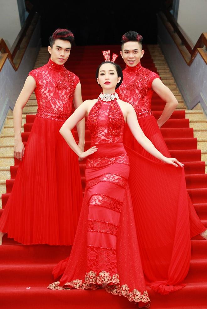 Dang Thu Thao,  Linh Nga kieu sa o su kien anh 8
