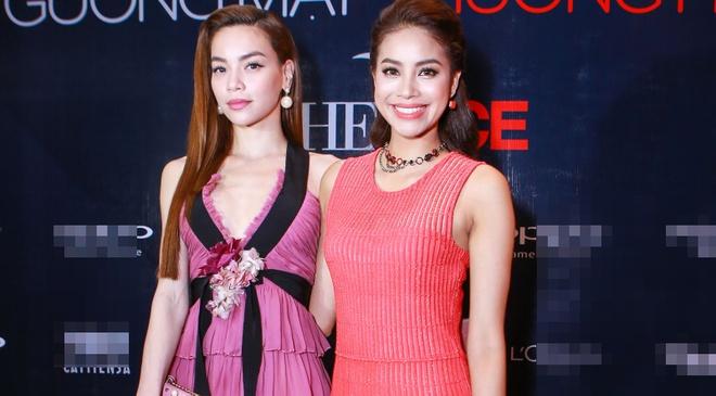 Ha Ho thay Pham Huong khong lep ve tren ghe nong The Face hinh anh