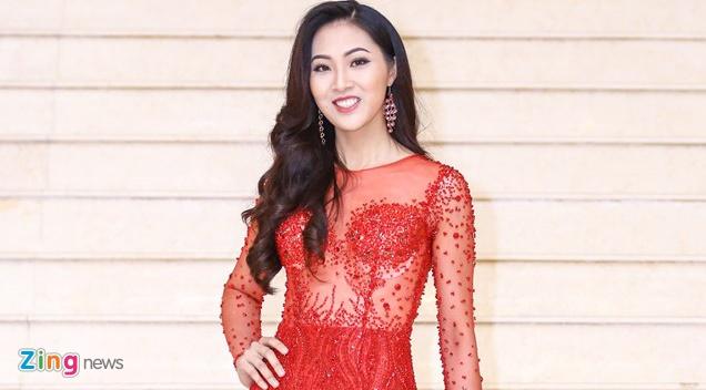 Tan Hoa khoi Ao dai noi ve chuyen qua tuoi de thi Miss World hinh anh
