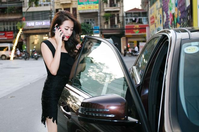 Hoang Thuy Linh mac goi cam chay show Euro o Ha Noi hinh anh 5