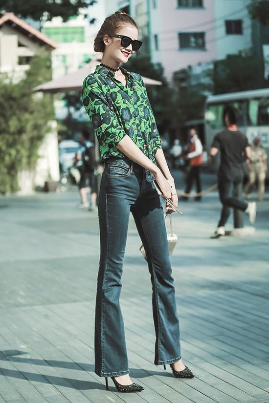 Ha Ho, Pham Huong don dau trao luu street style the thao hinh anh 11