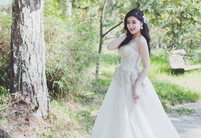 Miss Teen Xuan Mai ket hon voi ban trai dai gia vao thang 6 hinh anh 1