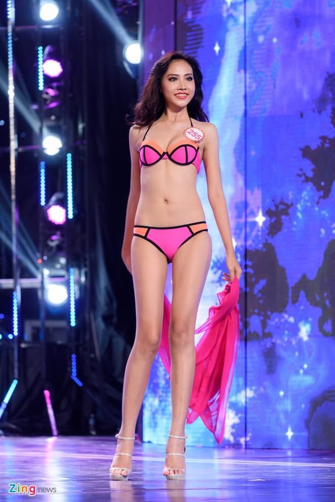 Top 18 Hoa hau Viet Nam phia Nam nong bong voi bikini hinh anh 13