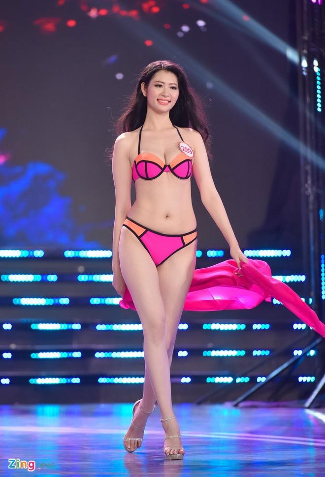 Top 18 Hoa hau Viet Nam phia Nam nong bong voi bikini hinh anh 16