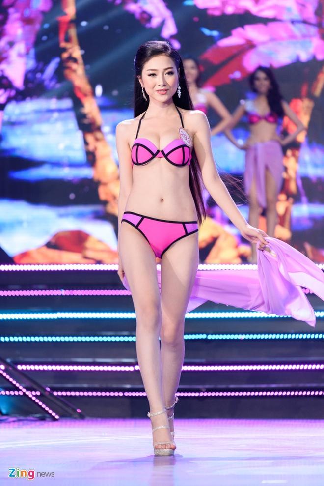 Top 18 Hoa hau Viet Nam phia Nam nong bong voi bikini hinh anh 17