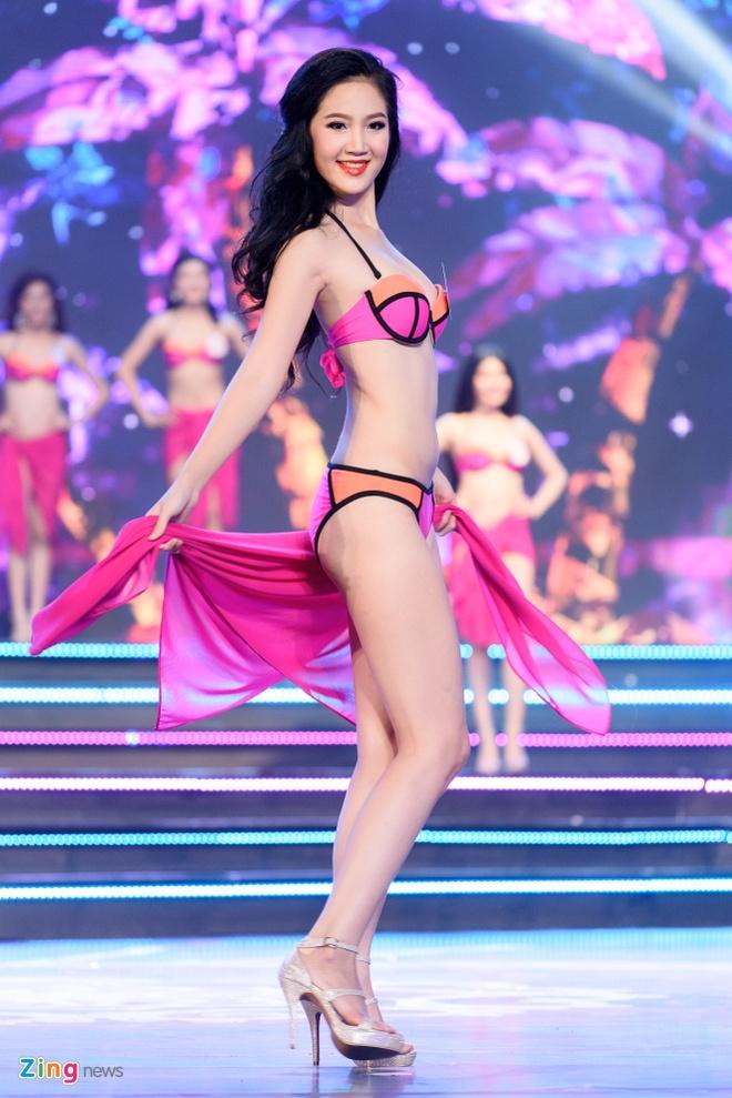 Top 18 Hoa hau Viet Nam phia Nam nong bong voi bikini hinh anh 9