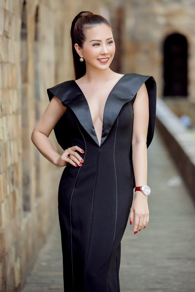 Pham Huong va dan sao Viet sanh dieu di cham thi The Face hinh anh 5