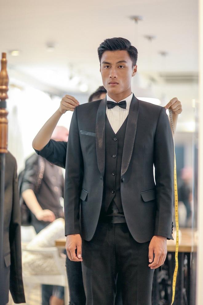 Mac Hong Quan dua Ky Han di thu vay cuoi hinh anh 8