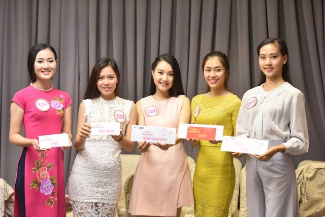 18 thi sinh Hoa hau VN buoc vao vong thi 'Nguoi dep Nhan Ai' hinh anh 1