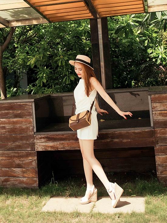 Ha Ho, Lan Khue dien street style dep nhat tuan qua hinh anh 4