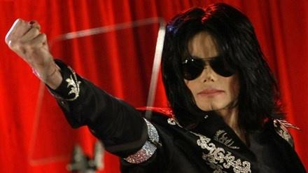 Michael Jackson duoc nguoi than bao ve truoc be boi tinh duc hinh anh 1