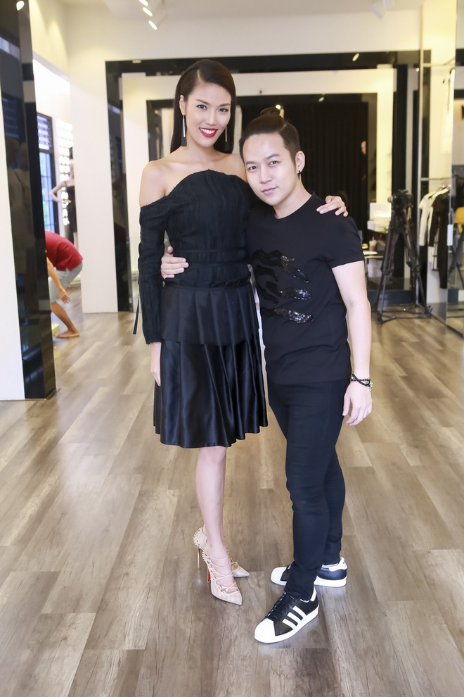 Huan luyen vien The Face lam stylist cho thi sinh o tap 2 hinh anh 9