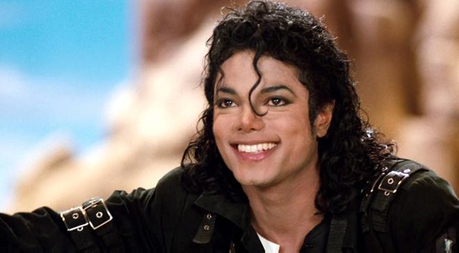 Michael Jackson duoc nguoi than bao ve truoc be boi tinh duc hinh anh