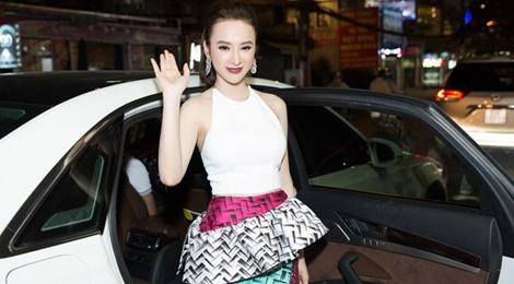 Toc Tien, Angela Phuong Trinh noi bat o su kien hinh anh