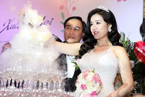 Miss Teen Xuan Mai lam dam cuoi voi ban trai lon tuoi hinh anh 2