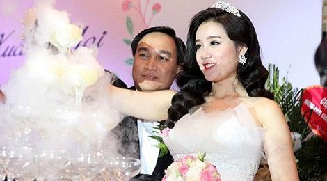 Miss Teen Xuan Mai lam dam cuoi voi ban trai lon tuoi hinh anh