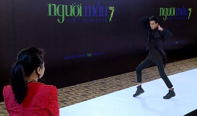 Thanh Hang thang tay tat thi sinh tren song truyen hinh hinh anh 2