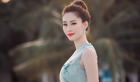 Dang Thu Thao mong manh tren vinh Ha Long hinh anh