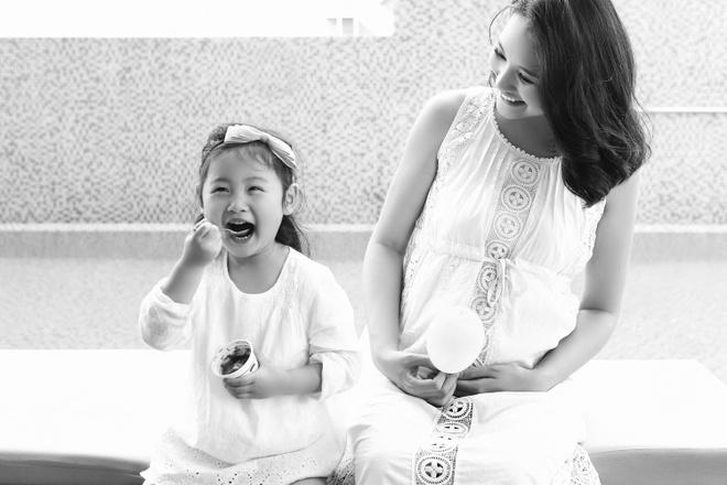 Hoa hau Huong Giang sinh con gai thu hai hinh anh 1