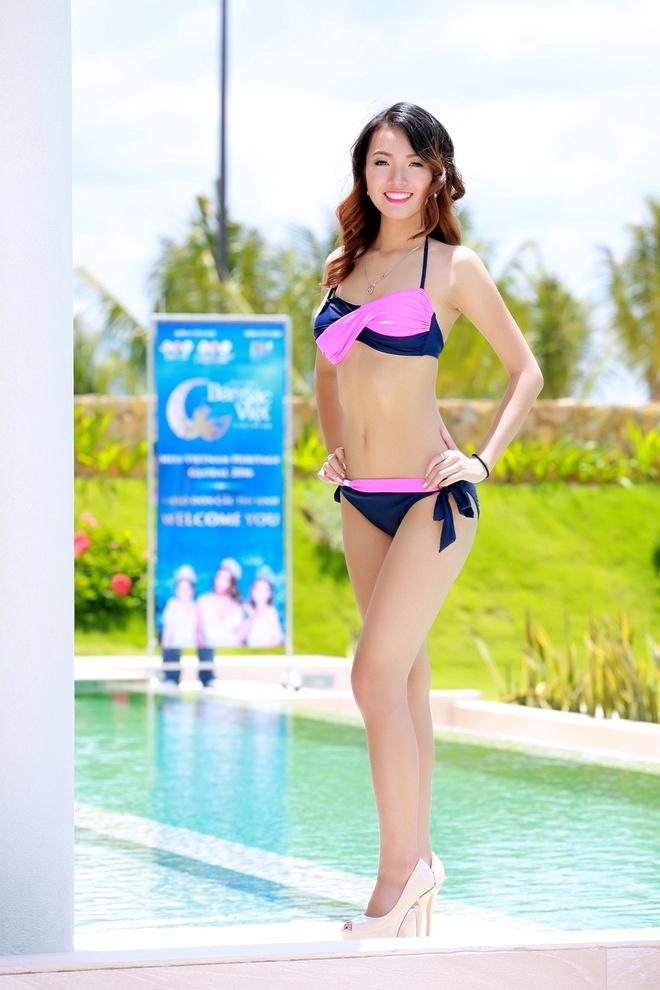 Nguoi dep HH Ban sac Viet dien bikini goi cam hinh anh 1