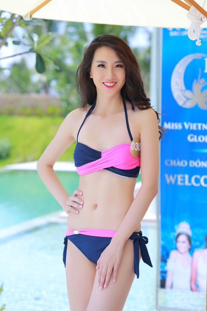 Nguoi dep HH Ban sac Viet dien bikini goi cam hinh anh 4