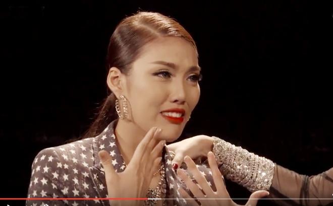 Lan Khue khoc khi Mai Ngo chinh chien mot minh hinh anh 3