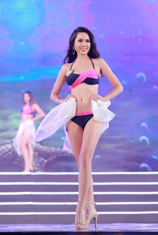 Thi sinh HH Ban sac Viet trinh dien bikini trong dem ban ket hinh anh 1
