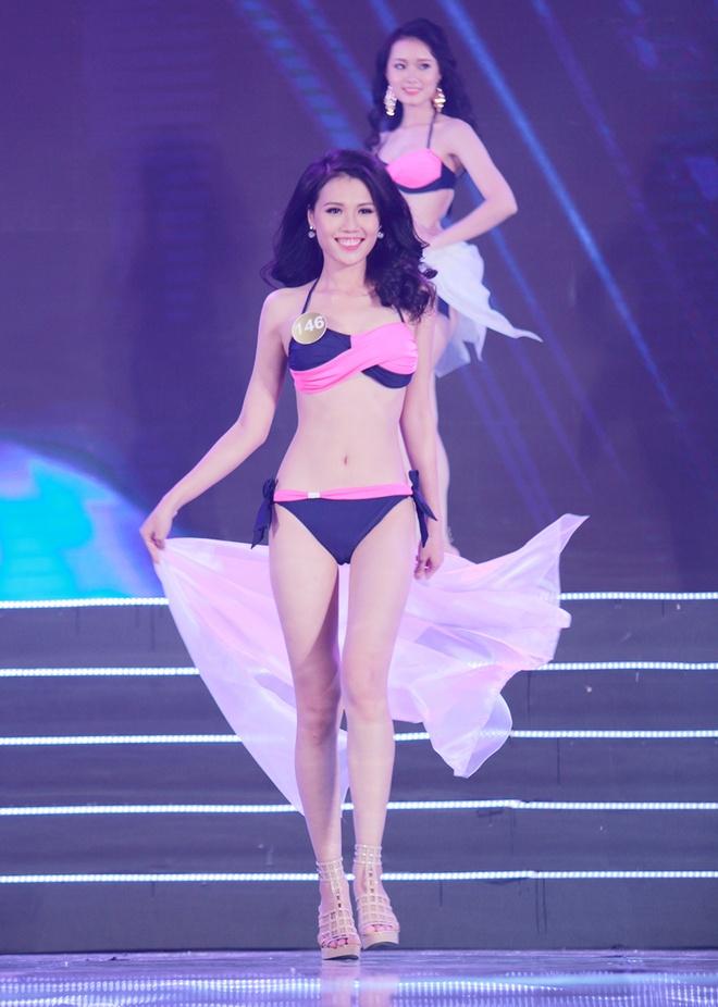 Thi sinh HH Ban sac Viet trinh dien bikini trong dem ban ket hinh anh 2