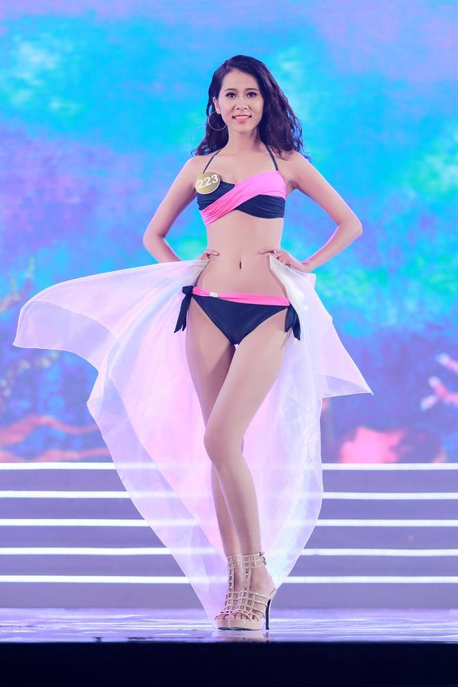 Thi sinh HH Ban sac Viet trinh dien bikini trong dem ban ket hinh anh 9