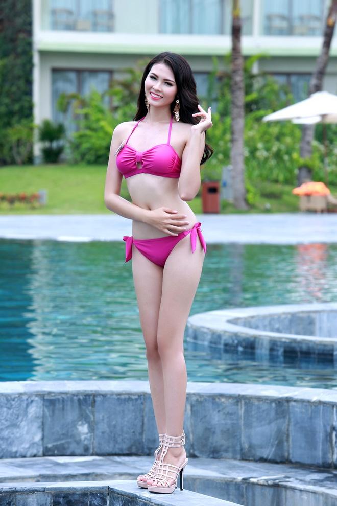 Nguoi dep Bien HH Ban sac Viet dien bikini goi cam hinh anh 1