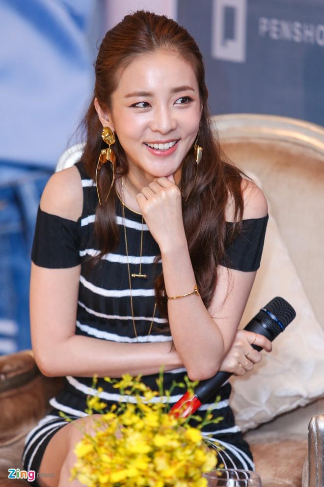 Ve rang ngoi cua Dara (2NE1) o TP HCM hinh anh 5