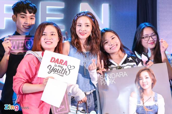 Dara (2NE1) mac don gian du su kien cung dan sao Viet hinh anh 4