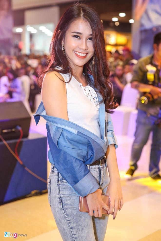 Dara (2NE1) mac don gian du su kien cung dan sao Viet hinh anh 9
