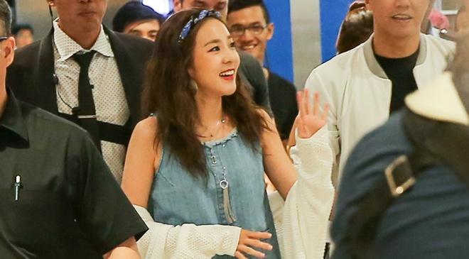Dara (2NE1) mac don gian du su kien cung dan sao Viet hinh anh