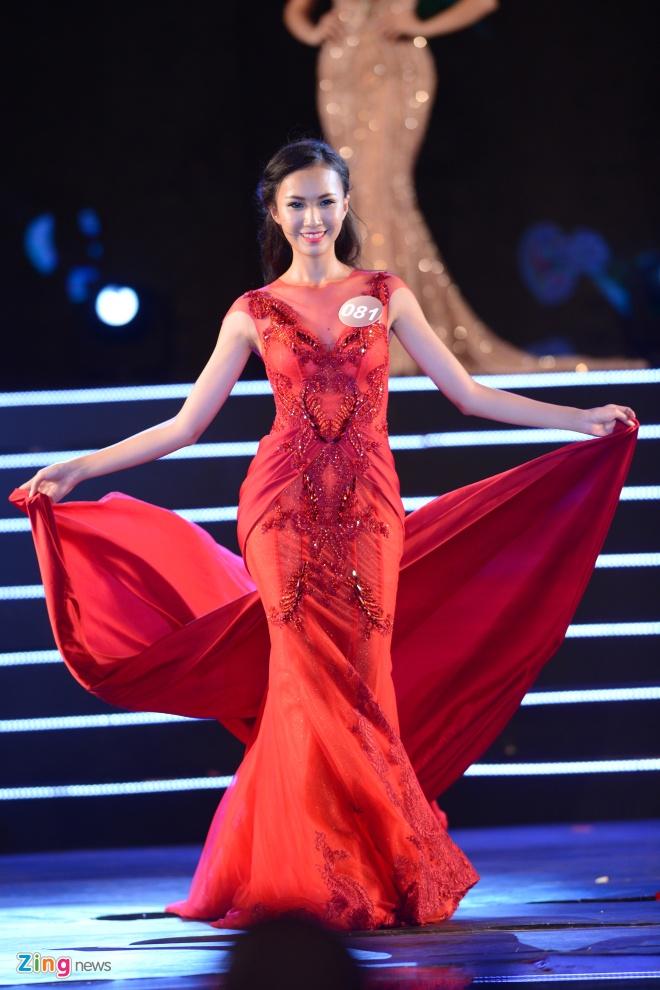 Top 10 Hoa hau Ban sac Viet trinh dien dam da hoi hinh anh 6