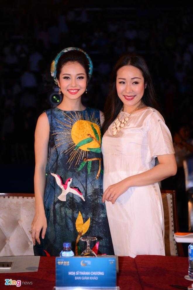 Ngo Phuong Lan vac bung bau 3 thang di cham thi hoa hau hinh anh 2